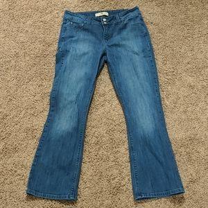 Women's Sz 6 Levi's 526 Slender Boot Cut Jeans